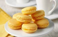Christmas Dessert: Curd-Filled Lemon Macaroons Recipe. Enjoy the sweet and tangy taste of lemon with every bite for your holiday gathering or as a gift. #holidayeats #food #dessert #christmas #holidays #recipe