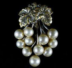 Vintage Dress Fur Clip Wonderful Gold Tone and Faux Pearl Pin | eBay