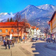 A @juliasette77  chegou hoje nos Alpes alemães - o nome da cidade é Garmisch…