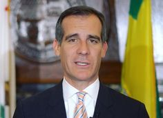 """Mayor Garcetti Facilitates Affordable Housing - http://anythingla.com/mayor-garcetti-facilitates-affordable-housing/ - [caption id=""""attachment_10173"""" align=""""aligncenter"""" width=""""650""""] Photo courtesy of LA Mayor's Office[/caption]   Garcetti creates more affordable housing and protects thousands of Angelenos from eviction by enabling the City to legalize certain unpermitted housing units.  Mayor Garcetti signs Ordinance to legalize more Affordable Housing Units"""