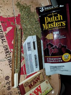 White Grape and Wine Dutch Master Blunts. Wine has some wax in center of blee. And then some joints to top it off. Cannabis Seeds For Sale, Autoflowering Seeds, Weed Seeds, Girl Smoking, Smoking Weed, Rauch Fotografie, Plant Icon, Seed Shop, Stoner Girl