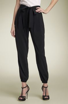 Love the simple, comfortable yet super stylish look of these pants