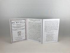 Lectorile Trio personalizado con partes del facsímil de las flores de Música para tecla, compuestas por el portugués Manuel Rodrigues Coelho Bullet Journal, Personalized Items, Music Stand, Flowers