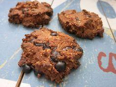 Low Carb Rezepte von Happy Carb: Kokos-Schoko-Cookies - Kokos und Schokolade, auch als knusprige Kekse perfekt.