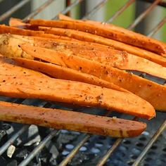 Sweet potatoes: Think beyond burgers and hot dogs. From peaches to pizza, here are 16 veggie-friendly foods that taste amazing when grilled. Plus: healthy grilling recipes for each food. Healthy Grilling Recipes, Vegan Grilling, Vegetarian Recipes, Healthy Foods, Healthy Eating, Healthy Mind, Clean Eating, Grilled Sweet Potato Fries, Salad With Sweet Potato