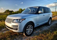 Photo: Picture 1 - Review: 2015 Land Rover Range Rover HSE