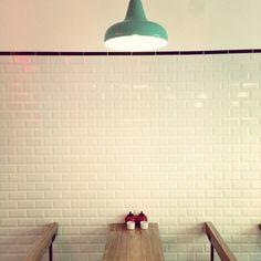 The Sunken Chip : le premier restaurant de Fish and Chips à ParisThe Sunken Chip a ouvert le 27 juillet à Paris aux bords du canal saint Martin.Adresse : 39 rue des Vinaigriers Paris 75010. Ouvert du mercredi au samedi de de 12h à 14h30 puis de 19h à 22h30 et le dimanche de 12h à 18h.