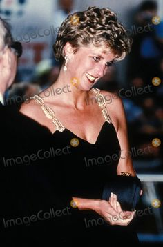 "June HRH Diana, Princess of Wales attending a Gala of the Kirov Ballet performing, ""Romeo & Juliet"" at the London Coloseum. Princess Diana Family, Princess Of Wales, Julie London, Diana Fashion, Charles And Diana, Lady Diana Spencer, London Photos, Queen Of Hearts, Duke And Duchess"