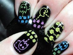 Canadian Nail Fanatic: Pac-Man Nails