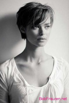 long pixie haircuts Long Pixie Pixie Haircut Came Into Vogue - Hair Beauty - maallure Cute Hairstyles For Short Hair, Girl Short Hair, Pixie Hairstyles, Pretty Hairstyles, Short Hair Styles, Curly Hairstyle, Trendy Hair, Short Hair Cuts For Women With Bangs, Short Haircuts For Women