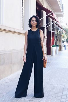 mango-black-jumpsuit-black-total-look.jpg 800×1,200 pixels