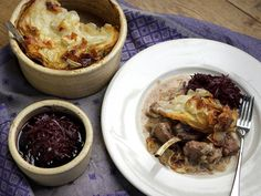Guest chef Nigel Haworth shows us how to make the perfect Lancashire hotpot with Red Cabbage                                           http://www.channel4.com/programmes/sunday-brunch/articles/january/lancashire-hotpot