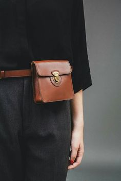 leather faux leather waistband Iriarte Iriarte – About The Bag Leather Fanny Pack, Leather Belt Bag, Leather Handbags, Belt Pouch, Belt Bags, Belt Purse, Hip Bag, Leather Bags Handmade, Clutch