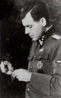 Nazi Doctor, Joseph Mengele, the 'Angel of Death'. Grand-père William et Thomas Nagasaki, Hiroshima, Joseph Mengele, World History, World War Ii, Evil People, The Third Reich, Fukushima, Angel Of Death
