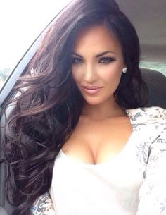 Natalie Halcro is gorge Indian Hairstyles, Weave Hairstyles, Pretty Hairstyles, Straight Hairstyles, Brunette Beauty, Hair Beauty, Brunette Hair, Natalie Halcro, Natural Hair Styles