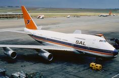South African Airways Boeing 747SP-44 at Jan Smuts Airport, Johannesburg - 1986