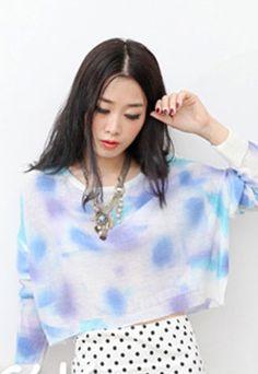 Price:23 USD  European Style Loose Fitting Tie-dye Knit Sweatshirt