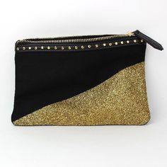 Create this fun sparkly clutch that looks like it is dipped in glitter! So simple and super stylish!
