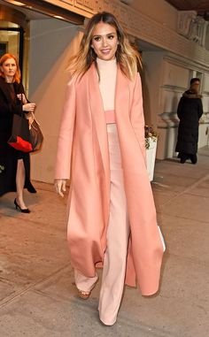 Warm Outfits, Cute Casual Outfits, Modest Outfits, Winter Coat Outfits, Girly Outfits, Stylish Outfits, Jessica Alba Outfit, Jessica Alba Style, American Casual