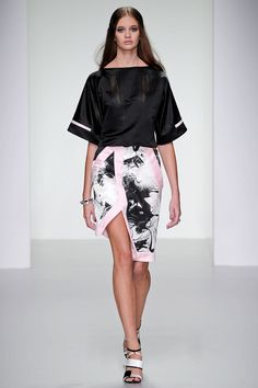 Jean-Pierre Braganza | Spring 2014 RTW.  Keep the ball rolling in a kimono-sleeved jersey patterned top.