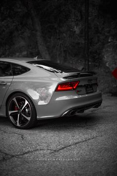 Image AUDI Redesign and Expected Price The 2016 Audi is expected to be a stylish and luxurious sports car. This car seems to be similar to the or at first glance. Ferrari, Maserati, Audi Sport, Sport Cars, Audi R8 Spyder, Bmw, Bentley Continental, Car Best, Audi Sedan