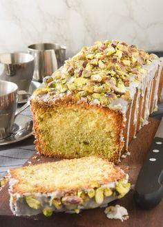 Lemon pistachio cake (in Spanish with translator) Fondant Cakes, Cupcake Cakes, Baby Food Recipes, Sweet Recipes, No Bake Desserts, Dessert Recipes, Spanish Desserts, Pistachio Cake, Plum Cake