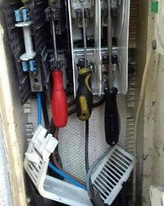 With insulated handle screwdrivers you can about do anything! Electrical Wiring Diagram, Electrical Safety, Electrician Humor, Safety Fail, Construction Fails, Industrial Electric, Electrical Projects, Workplace Safety, Safety First