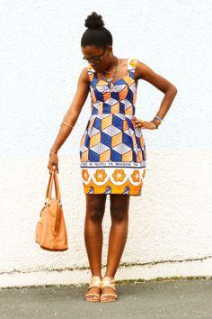 Sweetheart neckline var w/full skirt African Inspired Fashion, African Print Fashion, Africa Fashion, Fashion Prints, Fashion Design, African Attire, African Wear, African Women, African Print Dresses