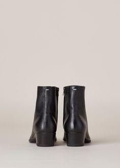 Maison Margiela Flat Ankle Boot (Black)