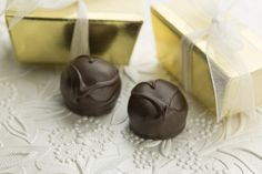 Charm guests with a gift from Ganong Chocolatier! Each party favour box includes of our hand-crafted truffles made in St. Stephen, New Brunswick! What Is Valentines Day, Valentine Day Boxes, Old Fashioned Candy, Candy Store, Chocolate Box, Truffles, Heart Shapes, Cheesecake, Artisan