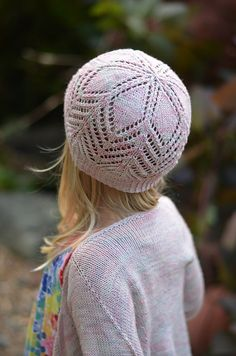Gerberas hat is a seamless hat knit from the bottom up with lace.