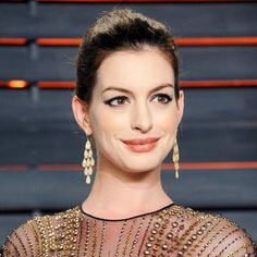 Hot: Anne Hathaway's Casual Maternity Style Keeps on Rocking—See Her Latest Spot-On Ensemble