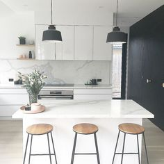 A great element of kitchen design is allowing empty space to breathe. This is a great example. @catherineodonell