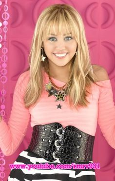 Do You Actually Remember These Disney Channel Show Theme Songs? Hannah Montana Forever, Hannah Montana Songs, Pop Star Costumes, Face Cut Out, Miley Stewart, Disney Channel Shows, Disney Theme, Theme Song, Hemsworth