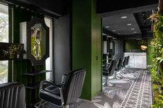 The most beautiful hair salon decor ideas and hair salon designs. Find hairdressing salon pictures of interior design, salon layouts, and hair salon decorations. Hair Salon Interior, Salon Interior Design, Salon Design, Hair Salon Stations, Salon Styling Stations, Salon Waiting Area, Salon Reception Area, Salon Lighting, Salon Pictures