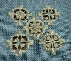 Crochet Doily Patterns, Bead Loom Patterns, Craft Patterns, Doilies Crochet, Clothes Patterns, Dress Patterns, Hardanger Embroidery, Embroidery Stitches, Embroidery Patterns