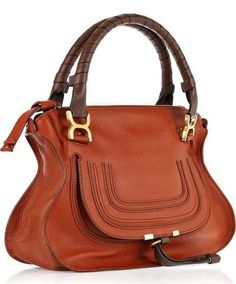 Alessandra Ambrosio wearing Chloe Marcie Bag in Whiskey. Chloe Marcie Bag, Chloe Bag, Leather Fashion, Leather Bag, Beautiful Handbags, Wrap Dress Floral, Designer Handbags, Designer Bags, Purses And Handbags