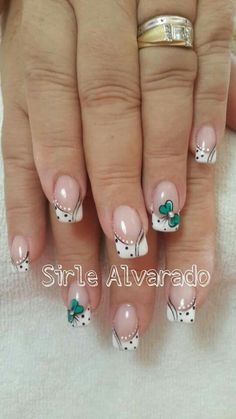 Uñas francés puntos lazo Fancy Nails, Diy Nails, Cute Nails, Pretty Nails, Uñas Diy, French Tip Nails, Flower Nail Art, Stylish Nails, Creative Nails