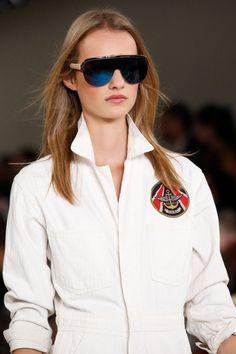 Ralph Lauren Spring 2016 Ready-to-Wear collection, runway looks, beauty, models, and reviews. Look Fashion, Fashion Models, Fashion Show, Fashion Trends, Fashion Blogs, Metallic Trousers, Trends 2016, Star Wars, Ralph Lauren