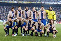 Temporada 2001-02. Reiziger, Cocu, Kluivert, Frank de Boer, Motta, Bonano /// Saviola, Rochemback, Gabri, Xavi i Puyol