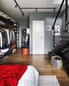 Men's Bedroom Design, Industrial Bedroom Design, Home Room Design, Bedroom Workspace, Bedroom Setup, Small Room Bedroom, Men Bedroom, Small Room Interior, Apartment Interior