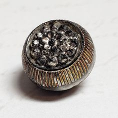 ONE GORGEOUS VICTORIAN LACY JET BLACK GLASS BUTTON 13MM