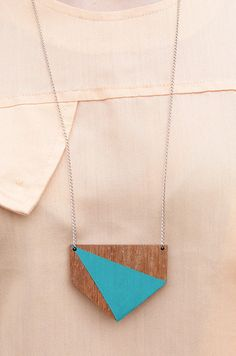 Colar Triângulo Azul #triangle Volver