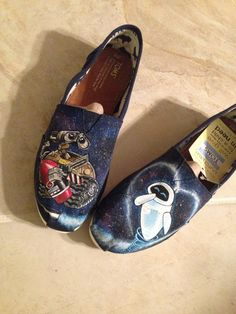 Disney Wall-e, Eve and Mo themed hand painted custom Toms on Etsy Painted Toms, Custom Painted Shoes, Hand Painted Shoes, Custom Shoes, Disney Toms, Disney Outfits, Disney Clothes, Disney Fashion, Shoe Art