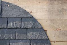 Toiture en ardoise : avantage, inconvénient, prix et pose   #ardoise #toiture #toit #decoration #architecture #design