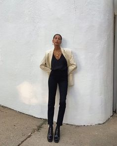 casual outfits for winter . casual outfits for work . casual outfits for school . casual outfits for women . casual outfits for winter comfy Black Girl Fashion, Look Fashion, Winter Fashion, Classy Fashion, Fashion Beauty, Fashion Vintage, Guy Fashion, Fashion Mask, Spring Fashion