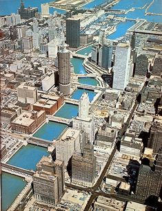 Here's some old pics of Chicago to start out this thread. Hopefully people can dig up some classic pics! Chicago Travel, Chicago City, Chicago Skyline, Chicago Illinois, Usa Travel, Marina City, Chicago Photography, Aerial Photography, Hongkong
