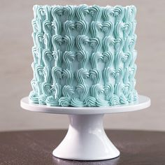 Wilton Method® Course 2: Flowers and Cake Design