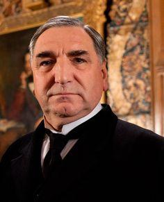 Jim Carter dans le rôle de Charles Carson dans la saison 3 de « Downton Abbey »