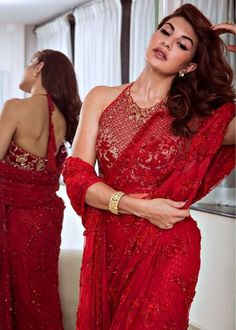 Jaqueline Fernandez looking hot in Saree Indian Dresses, Indian Outfits, Ethnic Outfits, Indian Clothes, Bollywood Fashion, Bollywood Actors, Bollywood Images, Bollywood Bridal, Bollywood Saree
